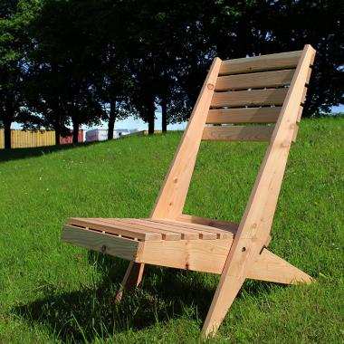 British Larch Garden Lazy Chair