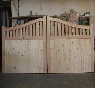 English Larch - Douglas Fir Swan Neck Driveway Gates