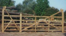 Treated Softwood Curved Heel (Ranch) Gate